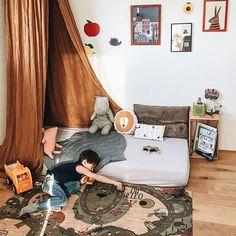 CLARISSAKORK (@clarissakork) • Instagram-Fotos und -Videos Toddler Boys, Kids, Boy Room, Roadtrip, Boho, Table, Furniture, Carpets, Home Decor