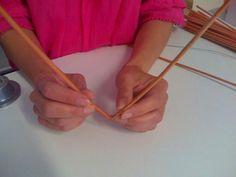 Môj postup na srdiečko 3 Newspaper Crafts, Origami, Paper Straws, Paper Mache, Hearts, Crafts, Origami Paper, Origami Art