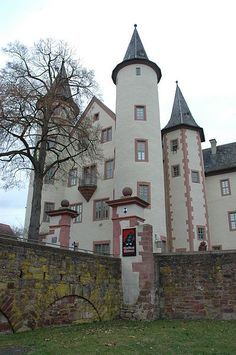#Lohr Castle is in the town of Lohr a. Main, #Germany. Currently it houses the Spessart Museum. This Bavarian castle was the birthplace of Maria Sophia Margaretha Catherina von Erthal, believed to be the inspiration for the Brothers Grimm story Snow White