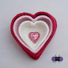 Crochet Flowers Patterns Ravelry: Heart Nesting Baskets pattern by Sonya Blackstone - Crochet Gratis, Free Crochet, Crochet Flower Patterns, Crochet Flowers, Heart Decorations, Crochet Home, Holiday Crochet, Valentine Gifts, Valentine Hearts