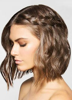 50 Easy + Chic Summer Hairstyles For Right Now - Single braid on wavy bob