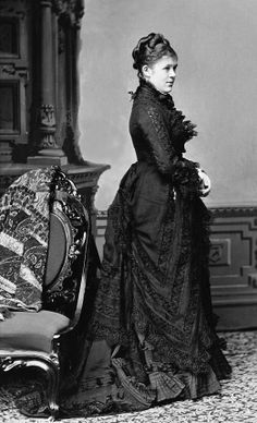 Nellie Grant (Mrs. Algernon) Sartoris, ca. 1870s. She was the daughter of Ulysses S. Grant. Brady-Handy Collection, Library of Congress