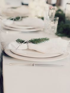 OLYMPUS DIGITAL CAMERA White Christmas, Xmas, Olympus, Digital Camera, Table Decorations, House, Home Decor, Gate Valve, Yule