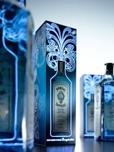 Graphic design and decoration Starpack Industry Award of Excellence 2013 - Webb deVlam - Bombay Sapphire Electro