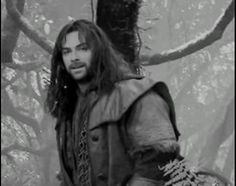 ❤Kili looks awesome in black and white❤