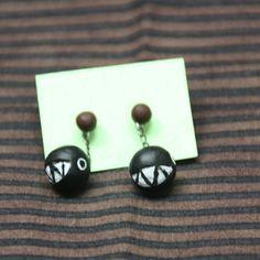 SOLD OUT // Handmade Chomp earrings / AGOTADO // Pendientes de Chomp hechos a mano 3.00€