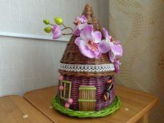Плетение из газет Wicker Baskets, Gingerbread, Weaving, Tea, Home Decor, Craft, Little Cottages, Creativity, High Tea