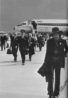 Jimi in flight