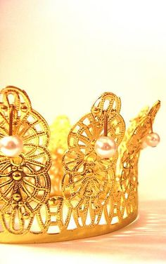 gold.quenalbertini: Gold crown