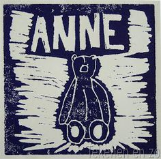 By Anne, 10 years old You need: one piece of linoleum from 14 x 14 cm drawing paper lino knives mat block printing ink flat piece of gla. Printing Ink, Artists For Kids, Darth Vader, Diy Crafts, Drawings, Prints, Fictional Characters, Nameplate, Kind
