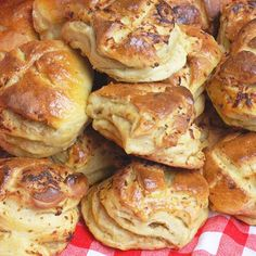 142466_2 Savory Pastry, Salty Snacks, Hungarian Recipes, World Recipes, Finger Foods, Dessert Recipes, Food And Drink, Appetizers, Cooking Recipes