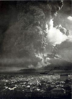 Sakurajima, 桜島, 1914 eruption as seen from Kagoshima