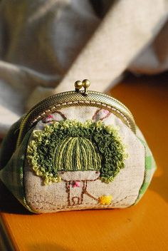 Cute embroidered coin purse by Lazy Doll Ribbon Embroidery, Embroidery Art, Cross Stitch Embroidery, Embroidery Patterns, Sewing Crafts, Sewing Projects, Frame Purse, Fabric Art, Handmade Bags