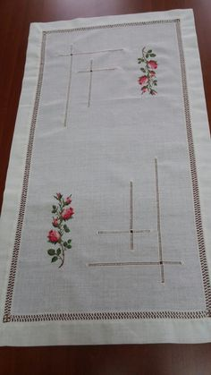 Hand Embroidery Designs, Diy Crochet, Projects To Try, Cross Stitch, Pillows, Floral, Elsa, Cotton, Crafts