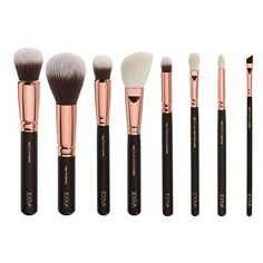 I'm totally in love with this ZOEVA Rose Golden brush set. I think that the petite eye brushes will be perfect for my asian eyes.