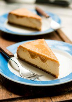 From David Lebovitz: dulce de leche cheesecake recipe No Bake Desserts, Just Desserts, Dessert Recipes, Cheesecake Recipes, Caramel Cheesecake, Cheesecake Brownies, Chocolate Cheesecake, Cheesecakes, Let Them Eat Cake