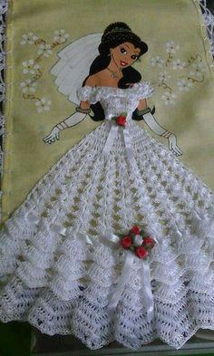 Doll dress pattern beautiful New Ideas Crochet Motifs, Thread Crochet, Crochet Crafts, Crochet Doilies, Crochet Flowers, Crochet Stitches, Crochet Projects, Crochet Patterns, Crochet Doll Dress