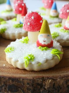Munchkin Munchies: Snowy Woodland Cookies {With Toadstools and Gnomes}
