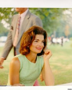 ⭕Click on image ⭕TO READ great article from Huffington Post ! 12 style secrets from Jackie Kennedy way of dressing ... Great read ! Made me smile and want to play with some suggestions !!! :)