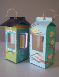 Milk carton and juice carton bird feeder, crafting, painting, pets animals … - Upcycled Crafts DIY Kids Crafts, Diy And Crafts, Arts And Crafts, Rock Crafts, Homemade Crafts, Upcycled Crafts, Milk Carton Crafts, Make A Bird Feeder, Bird Feeders For Kids To Make