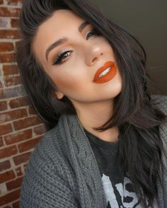 Sometime you gotta keep it classic...also I can't stop wearing orange toned lips HALP [EYES @katvondbeauty Tattoo Liner in Trooper @anastasiabeverlyhills Darkside Liner & Shadows in Fawn Brownie Truffle Glitter & Metal @houseoflashes Boudoir LIPS @smashboxcosmetics Always on Liquid Lipstick in Out Loud SKIN @tartecosmetics Shape Tape Concealer @anastasiabeverlyhills Stick Foundation  in Beige and Ivory  beccacosmetics Mineral Blush in Wild Honey @katvondbeauty Thunderstruck Shadow as a…