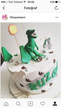 Dinazor temalı pasta