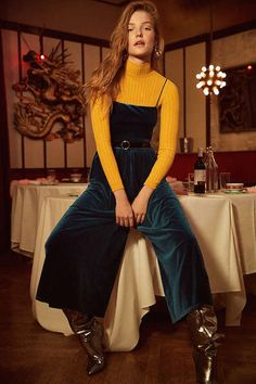 Shop UO Emmabella Velvet Straight-Neck Jumpsuit at Urban Outfitters today. We carry all the latest styles, colors and brands for you to choose from right here. Fall Fashion Trends, Fashion 2017, Love Fashion, Autumn Fashion, Fashion Design, Sport Fashion, Fashion Ideas, Easy College Halloween Costumes, Autumn Inspiration