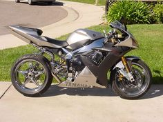 Yamaha R1 Photo:  This Photo was uploaded by mpremnas. Find other Yamaha R1 pictures and photos or upload your own with Photobucket free image and video ...
