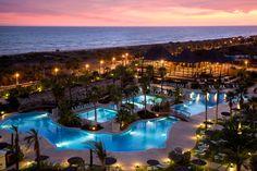 Hotel PUERTO ANTILLA Beach and Pool Night View / Playa y Piscina Vista Nocturna