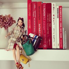 All red books (& Barbie of course! Red Books, Elements Of Style, Advanced Style, Barbie World, Vintage Coach, The Chic, Who What Wear, Inspiration, Beauty