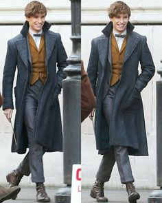 Other two Newton Scamander's contagious smiles from Fantastic Beasts The Crimes of Grindelwald set on November 19, 2017