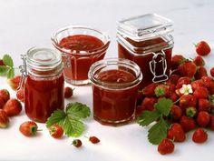 Erdbeerkonfitüre ist ein Rezept mit frischen Zutaten aus der Kategorie Marmelade. Probieren Sie dieses und weitere Rezepte von EAT SMARTER!
