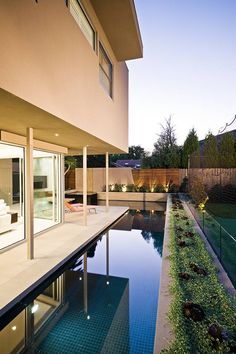 Minimalist-Garden-Integrating-the-Best-Outdoor-Activities-on-Garrell-Street,Australia_10