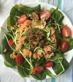 een lekker courgetti recept - Focus on Foodies A Food, Good Food, Food And Drink, Avocado Hummus, Cooking Recipes, Healthy Recipes, Healthy Food, Cobb Salad, Foodies