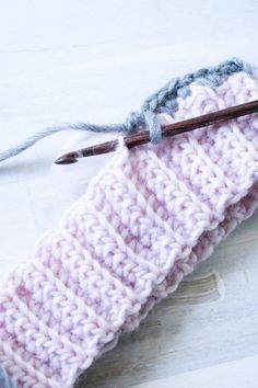 Häkelbündchen- so häkelst du ein elastisches Bündchen - Crochet - Amigurumi Knitting Charts, Baby Knitting, Knitting Patterns, Crochet Patterns, Beginner Knitting Projects, Knitting For Beginners, Learn How To Knit, How To Start Knitting, Loop Scarf