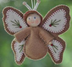 angel, fairy, or butterfly? Very sweet! Felt Christmas Decorations, Felt Christmas Ornaments, Handmade Christmas, Christmas Crafts, Beaded Ornaments, Snowman Ornaments, Christmas Christmas, Glass Ornaments, Felt Diy