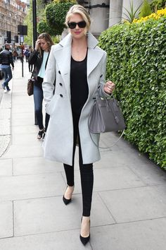 Kate Upton let her gray coat do the talking by wearing all black | Prep Your Pinterest Board: These Model-Off-Duty Looks Are GOOD | POPSUGAR Fashion