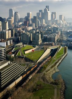 U.S. Great view of Seattle's Olympic Sculpture Park, Washington