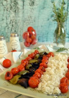 Basmati rice with roasted veggies! A yummy vegan summer dish! Going Vegetarian, Going Vegan, Vegan Dishes, Tasty Dishes, Side Dishes, Vegan Recipes, Cooking Recipes, Cooking Ideas, Vegan Food