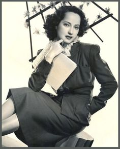 Merle OBERON (1911-1979) * AFI Top Actress nominee. Notable Films: Wuthering Heights (1939); The Private Life of Henry VIII (1933); The Scarlet Pimpernel (1934); These Three (1936); The Divorce of Lady X (1938); Dark Waters (1944); The Lodger (1944); A Song to Remember (1945); Berlin Express (1948); Desiree (1954) / Photo: 1935