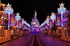 [COMPLETED + TO BE PUBLISHED]   Ever broken into Disney World at thre… #teenfiction #Teen Fiction #amreading #books #wattpad