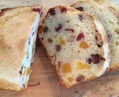 Vruchtenbrood uit de broodbakmachine. Pruimen/perziken/appel etc. Alternatief voor krentenbrood met spijs.