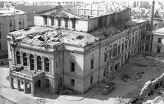 Heft, Bucuresti, bombardat in 1944 Old Photos, Vintage Photos, Bucharest Romania, Time Travel, Louvre, Memories, Mansions, House Styles, Theatre