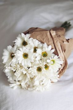 nothing a sweet as daisies!/ aren't daisies the friendliest flowers??