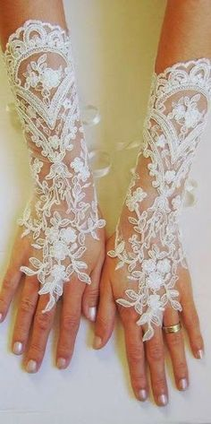 Lacy (mk) didn't know where to pin it but did not want to forget this idea.  Beautiful and different and classy