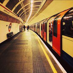 Notting Hill Gate Station (End LW29)