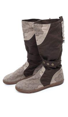 http://indiastyle.ru/products/sapogi-lesnye-tropy Сапоги в бохо стиле от ChintaMani , бохо обувь, текстильные сапоги, vegan Boho shoes 7220 рублей