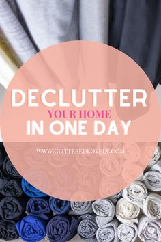 If you don't think it's possible, it totally is! Here are some simple tips on how to declutter your home fast in one day! #decluttering #homedecluttering