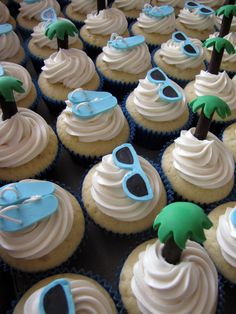 Beach Themed Wedding Cupcakes (Perfect for a Bridal Shower too!)