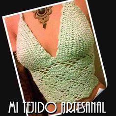 top crop tejida a crochet en hilo de algodon